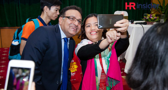 Audience enthusiastic on selfies with Dr Alok Bharadwaj